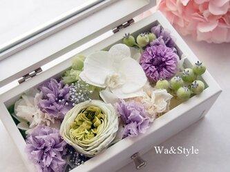 ◆再販・メモリアルボックス(仏事・お供・お線香ケース)コチョウランホワイトの画像
