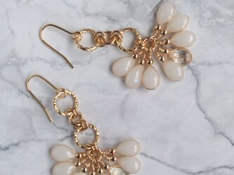 雫のタッセルピアス/イヤリング (白) #12;   Tassel earring (white) #12の画像