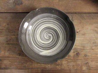刷毛目文輪花鉢(透明)の画像