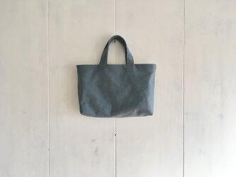 リバーシブルの鞄 ブルーグレーとマスカット色の画像