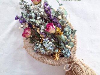 バラとユーカリのブーケ・スワッグ ※ラッピングは別途ご購入お願いしますの画像