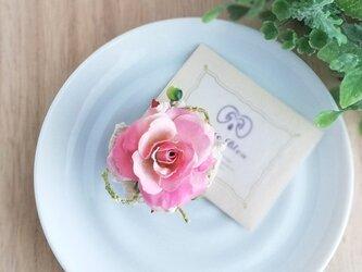 スウィートローズと小さな青い実のプチコサージュ 2Way☆** sweet rose corsageの画像