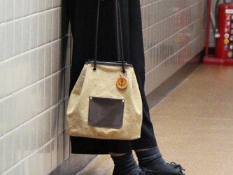 nico-タン(タンニン染め帆布×レザー巾着トートバッグ)の画像
