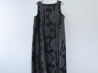 *アンティーク着物*丸紋と竹模様泥大島紬のワンピース(Lサイズ)の画像