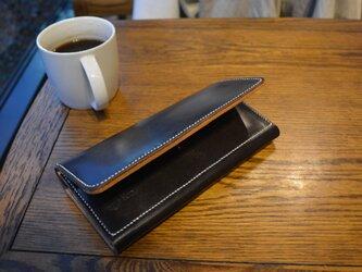 ブライドルレザーとヌメ革の長財布の画像