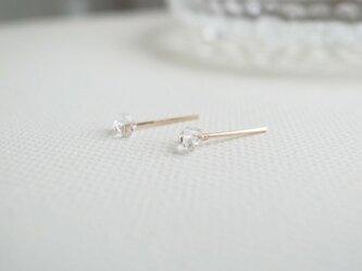 ハーキマーダイヤモンドの一粒ピアスの画像