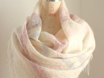 手織り 白地にピンクのボーダー柄 ストールの画像