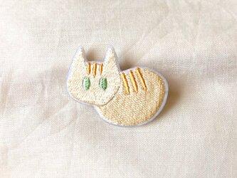 刺繍 茶トラ 猫ブローチの画像