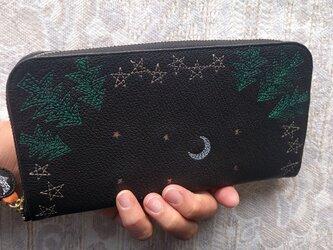 刺繍革財布『夜の森』ヤギ革(シュリンクレザー)BLACK ラウンドファスナー型の画像