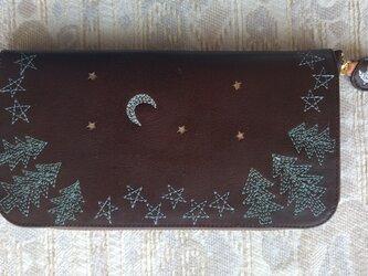 刺繍革財布『夜の森』牛革(ラウンドファスナー型)ダークBROWNの画像