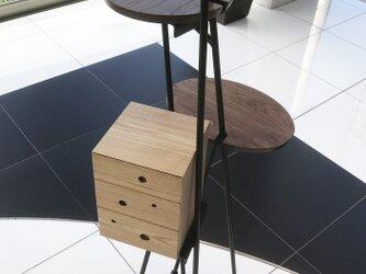 抽斗付きの飾り台の画像