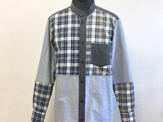 男女兼用❤️2色チェック柄の長袖シャツ 水色&ベージュ(サイズ男女フリー  メンズL、レディース L L)の画像