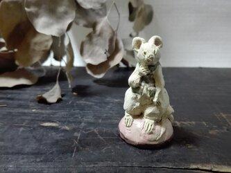 おすわりちびネズミ ―みどりしま- の画像