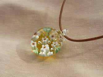 わすれな草・ガラス球ネックレス・ガラス製・綿紐の画像