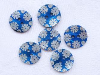 (2個)花柄カラー貝ボタン ブルー フランス製の画像
