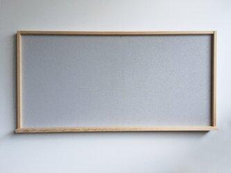 ちょこっと棚のついたコルクボード グレー 90 x 60 cmの画像