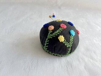 イロイロお花のピンクッション(針山)の画像
