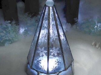 【大人のクリスマスツリー/雪と氷の世界】(Lサイズ)ステンドグラス・ランプ,LEDライト付の画像