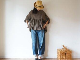 French linen gather blouse MOCHAの画像