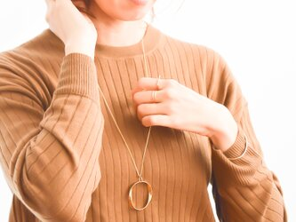 Oval twist circle necklace n403の画像