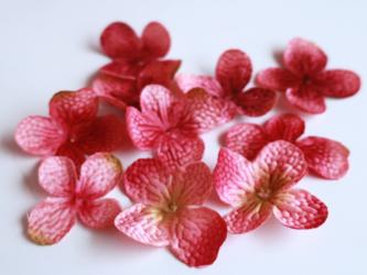 (10枚 ) 紫陽花のようなフラワーパーツ 赤紫の画像