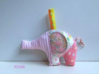 ガーゼのにぎにぎガラガラおもちゃ・ぞうさん ピンク系Aの画像