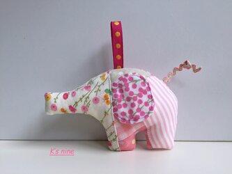 ガーゼのにぎにぎガラガラおもちゃ・ぞうさん ピンク系Bの画像