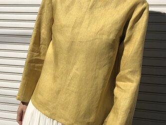 リネンの体型カバーTブラウスVネック黄の画像