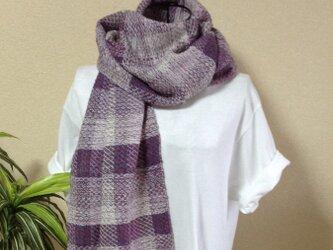 上品で優しい☆白と紫色のストールの画像