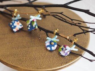 ★台湾花布★リボン付き小さくて可愛い華やかなピアス/イヤリングの画像