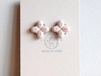 花のピアス【ピンク】(a)の画像