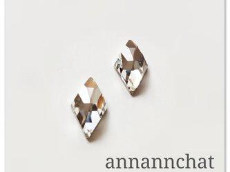 【スワロフスキー クリスタル の  ダイヤ(菱形)ピアス】四角形 トランプの画像