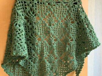 手編みの三角ストール グリーンの画像