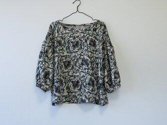 *アンティーク着物*抽象花模様着物のバルーンスリーブトップスの画像
