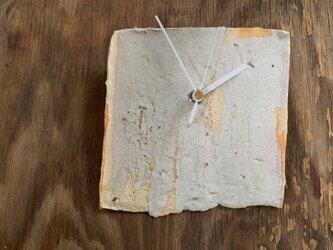 白に黄色4 掛け時計の画像