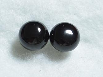 ブラックオニキスのスタッドピアス(10mm・チタンポスト)の画像
