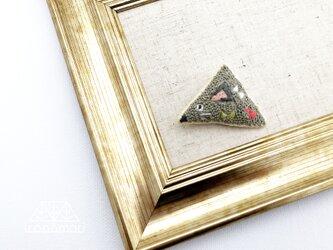 刺繍ブローチ「三角ねずみさん」の画像