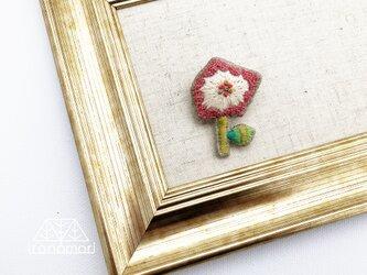 刺繍ブローチ「カクカクなお花」の画像
