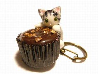 にゃんこのしっぽ○カップチョコにゃんこ○キーホルダー○猫○さばとら白猫1の画像
