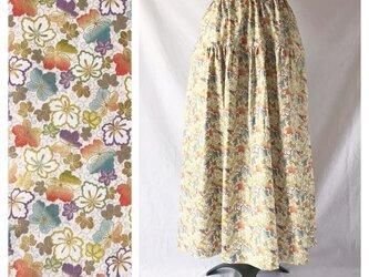 【和柄】はんなりと可愛いティアードスカート(四季風花:クリーム)の画像