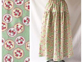 【和柄】はんなりと可愛いティアードスカート(花と亀甲:グリーン)の画像