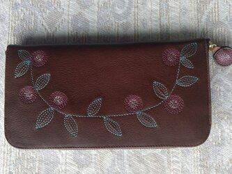 刺繍革財布『花かざり』牛革(ラウンドファスナー型)BROWNの画像