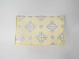 ギルディング和紙カードケース 西洋花 クリームイエロー地 銀箔の画像