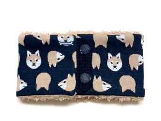 【即納可能】ボタンタイプ☆キッズサイズ☆柴犬柄(茶色)+ふわふわプードルファーのネックウォーマーの画像