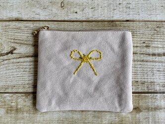 手刺繍ミモザで描くリボンポーチ(ミニポーチ)国産帆布 14㎝ファスナーの画像