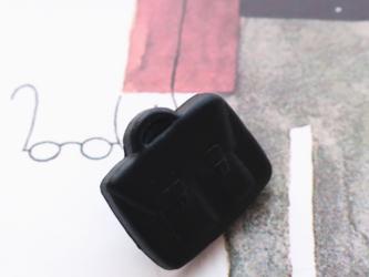 (3個) 黒いかばんのボタン フランス製の画像
