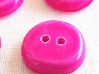 (3個) フューシャピンクのボタン フランス製の画像