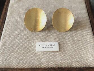 真鍮の槌目ピアス/丸の画像