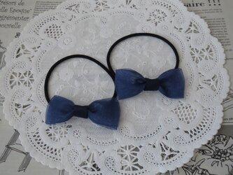 ★りぼん★ 紺のオーガンジーダブルリボンのヘアゴムの画像