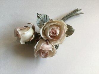 再販シックな薔薇の画像
